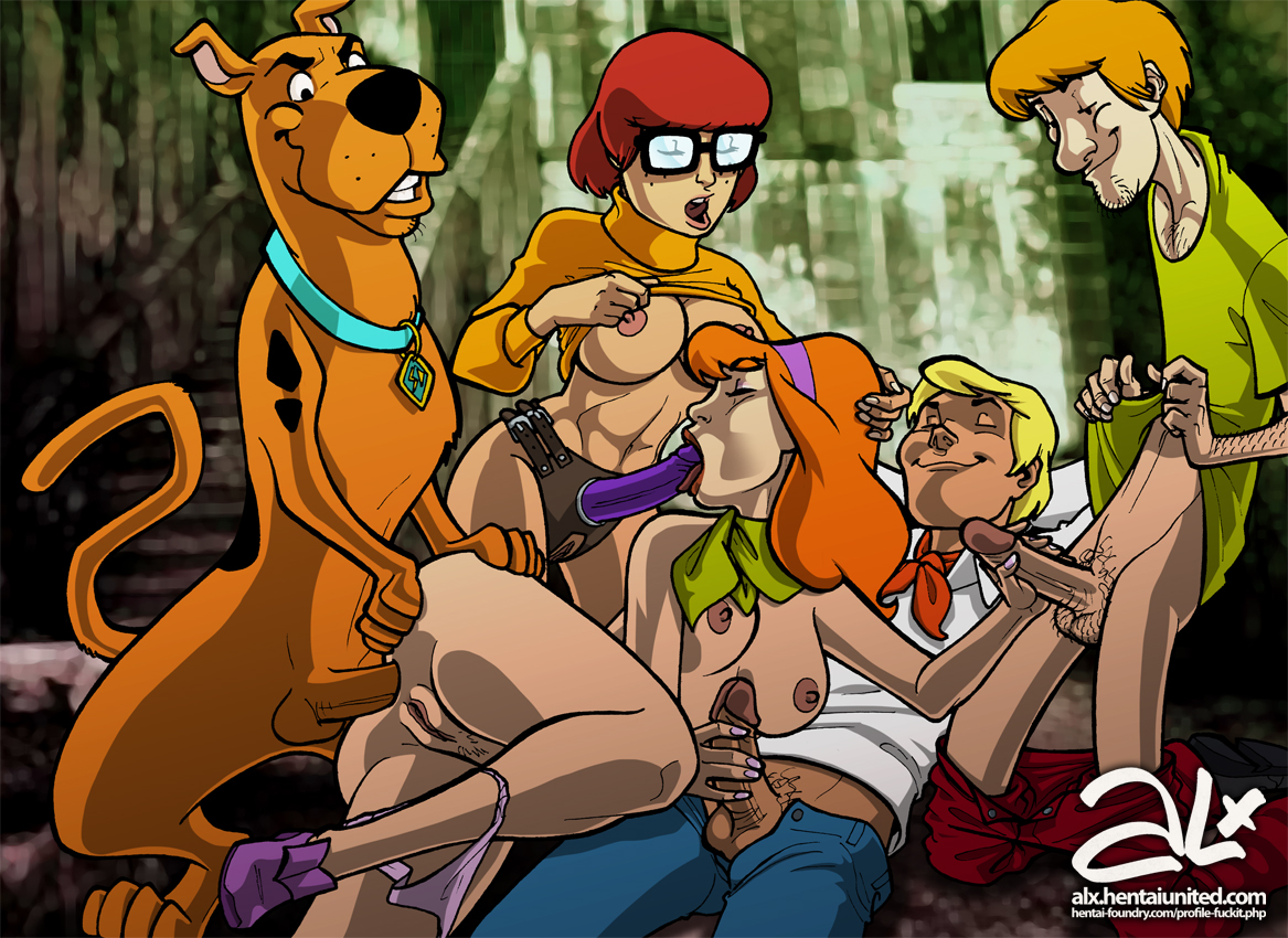 Scooby doo fuck daphne